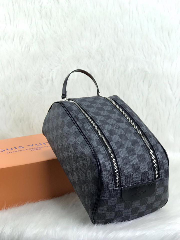 7cd581cf Louis Vuitton King Size Toiletry Damier Graphite Vejital Deri Çanta ...